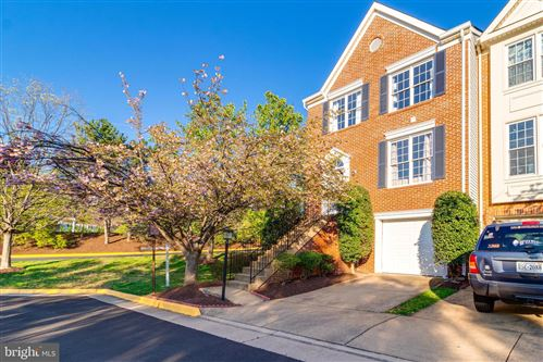Photo of 8011 READINGTON CT, SPRINGFIELD, VA 22152 (MLS # VAFX1119404)