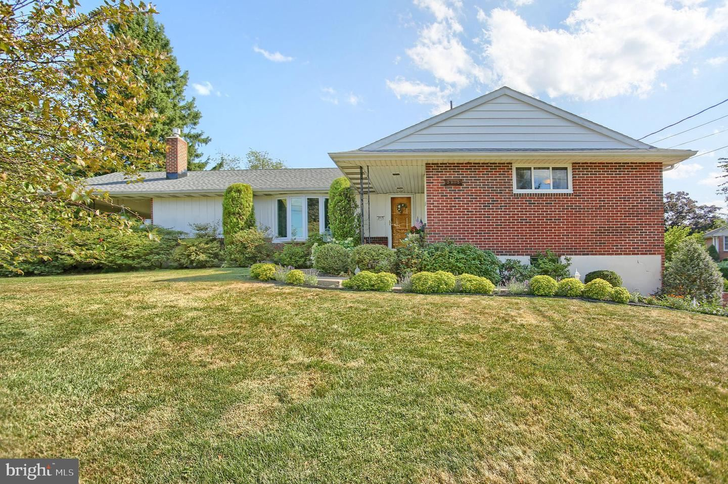 Photo of 3915 MOUNTAIN VIEW RD, MECHANICSBURG, PA 17050 (MLS # PACB126404)