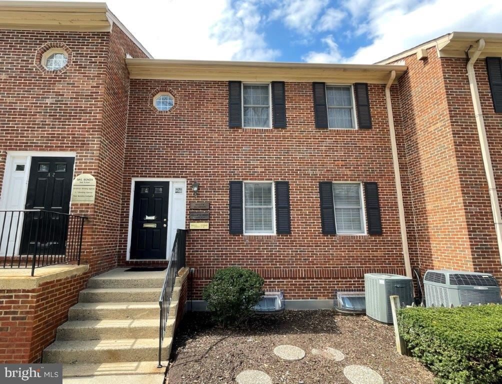 Photo of 10605 JUDICIAL DR #A3, FAIRFAX, VA 22030 (MLS # VAFC121412)
