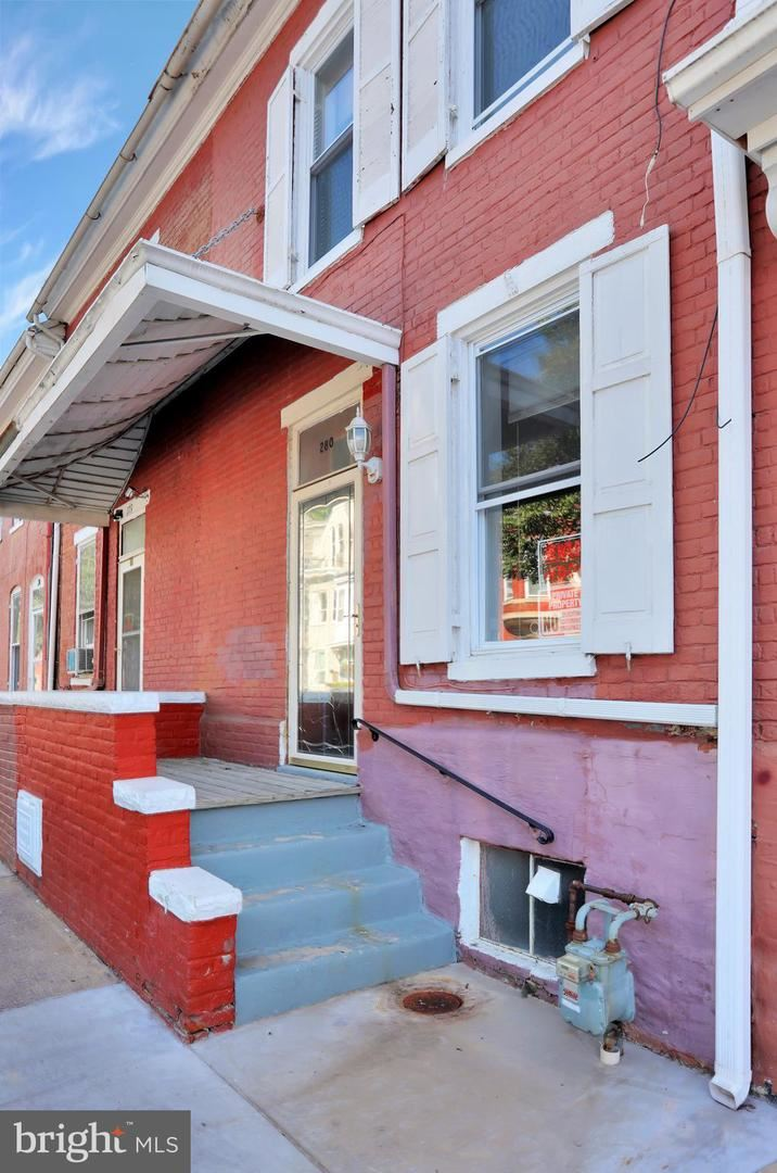 Photo of 280 S POTOMAC ST, HAGERSTOWN, MD 21740 (MLS # MDWA174414)