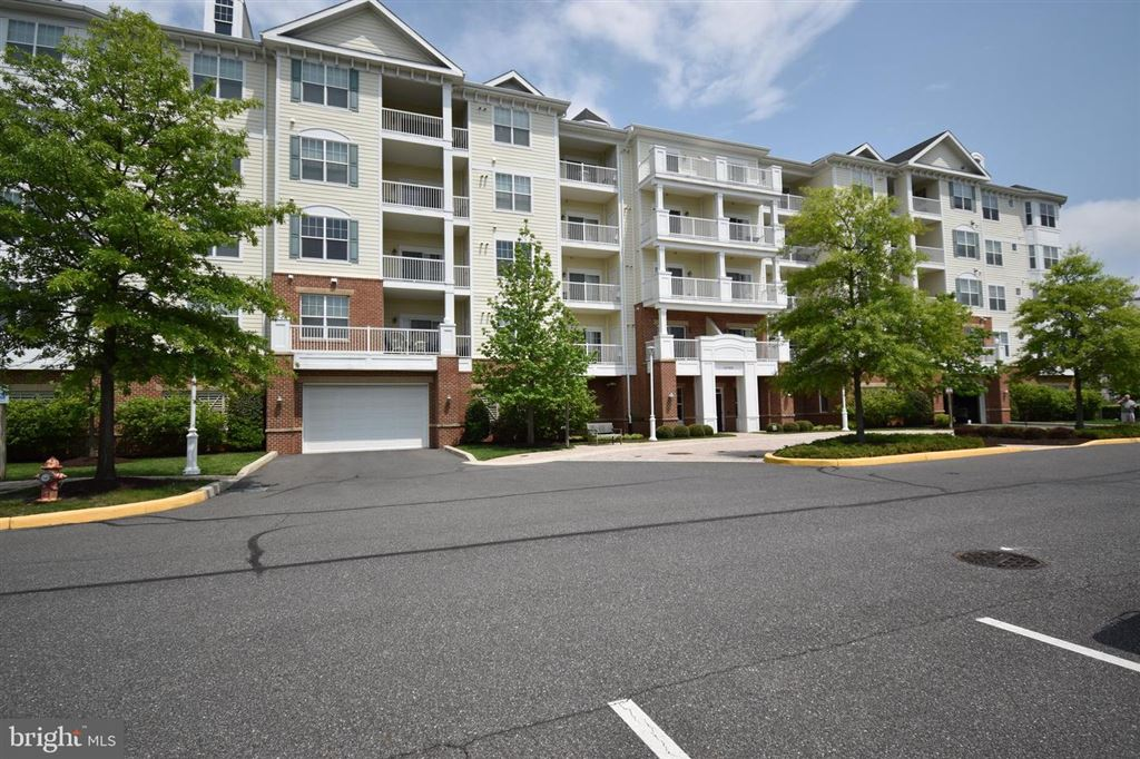 Photo for 2700 WILLOW OAK DR #401A, CAMBRIDGE, MD 21613 (MLS # MDDO124416)