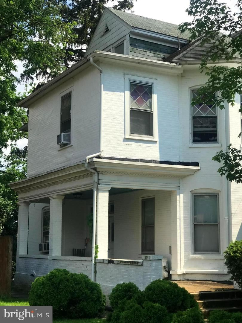 Photo of 456 SUMMIT AVE, HAGERSTOWN, MD 21740 (MLS # MDWA180418)