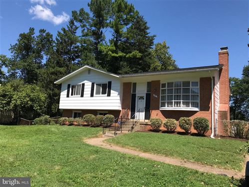 Photo of 2551 RAMBLING RD, VIENNA, VA 22181 (MLS # VAFX1121420)