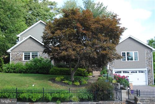 Photo of 1001 WOODCIRCLE DR, WYNNEWOOD, PA 19096 (MLS # PAMC641422)