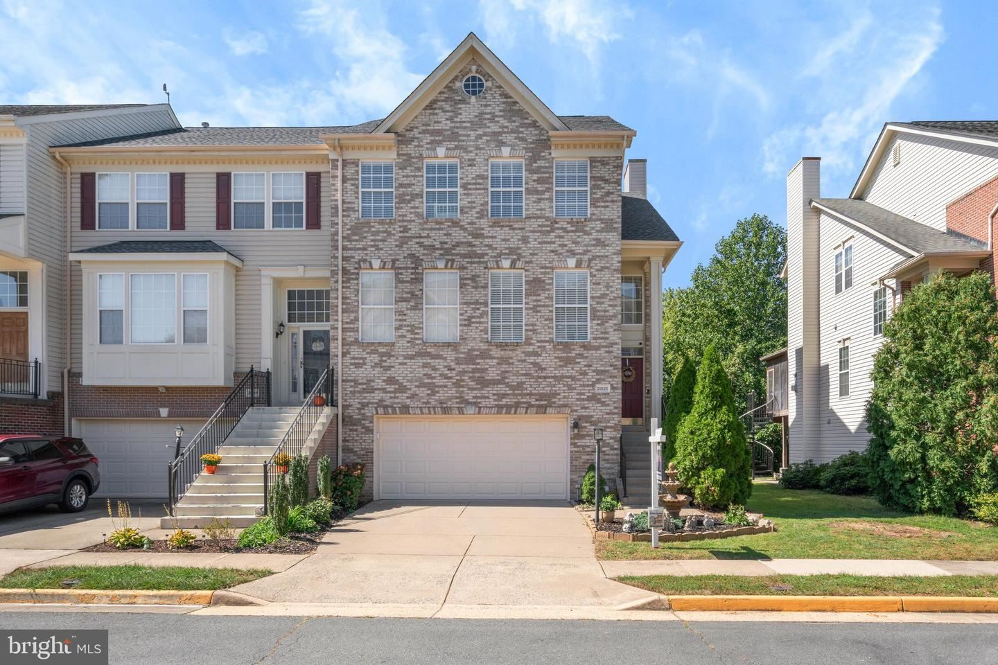 Photo of 21025 ROAMING SHORES TER, ASHBURN, VA 20147 (MLS # VALO420422)