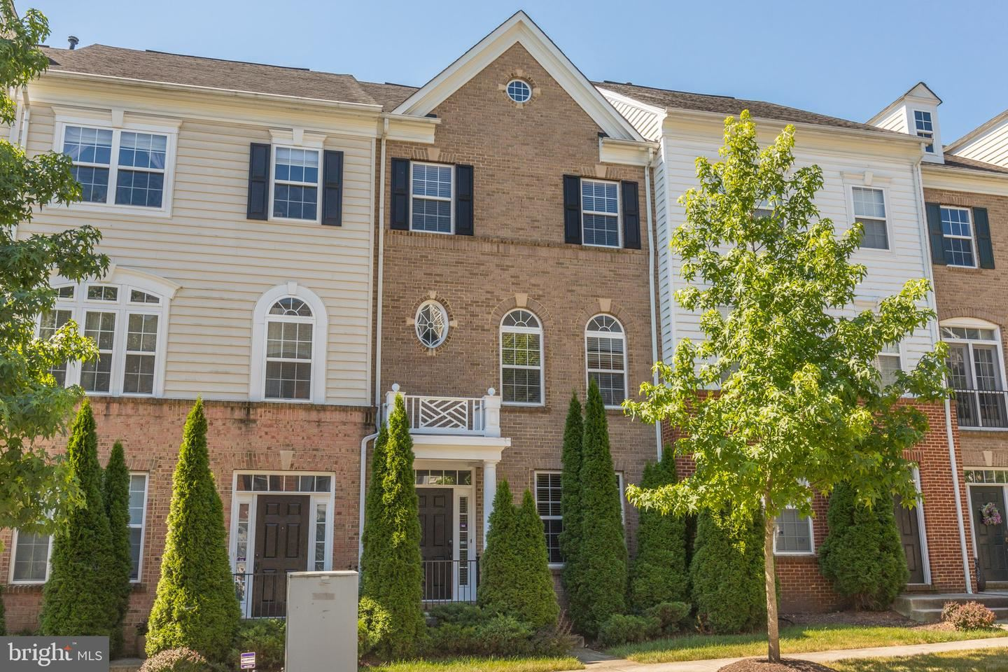 Photo for 8005 ENDZONE WAY, LANDOVER, MD 20785 (MLS # MDPG602424)