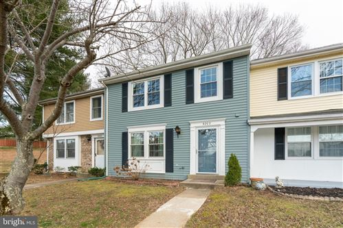 Photo of 9202 TURTLE DOVE LN, GAITHERSBURG, MD 20879 (MLS # MDMC697430)