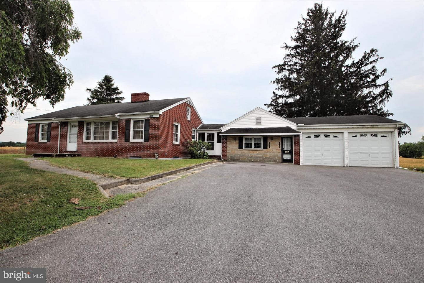 Photo of 20523 LEITERSBURG PIKE, HAGERSTOWN, MD 21742 (MLS # MDWA180432)