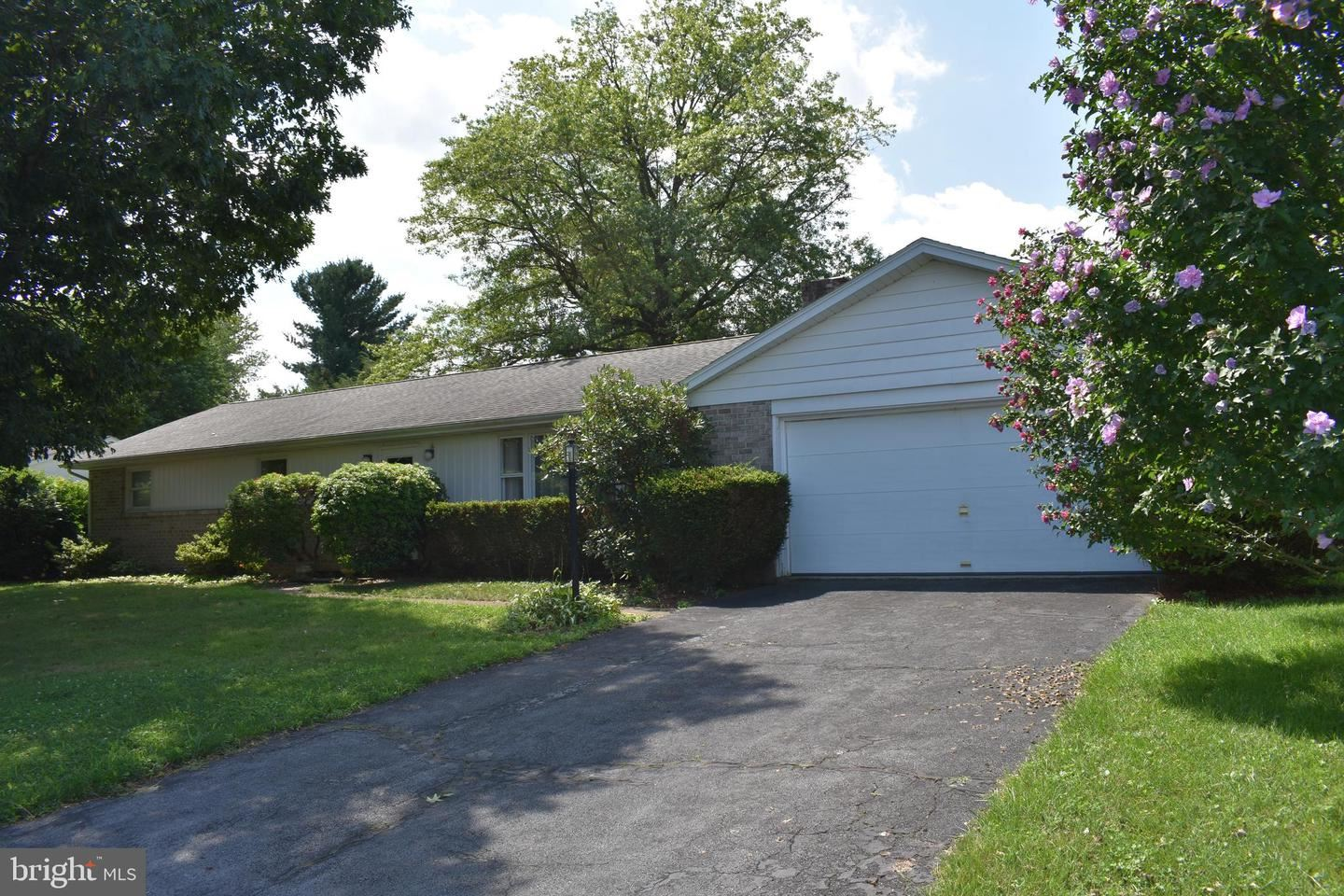 Photo of 128 HERITAGE RD, CHAMBERSBURG, PA 17202 (MLS # PAFL174432)