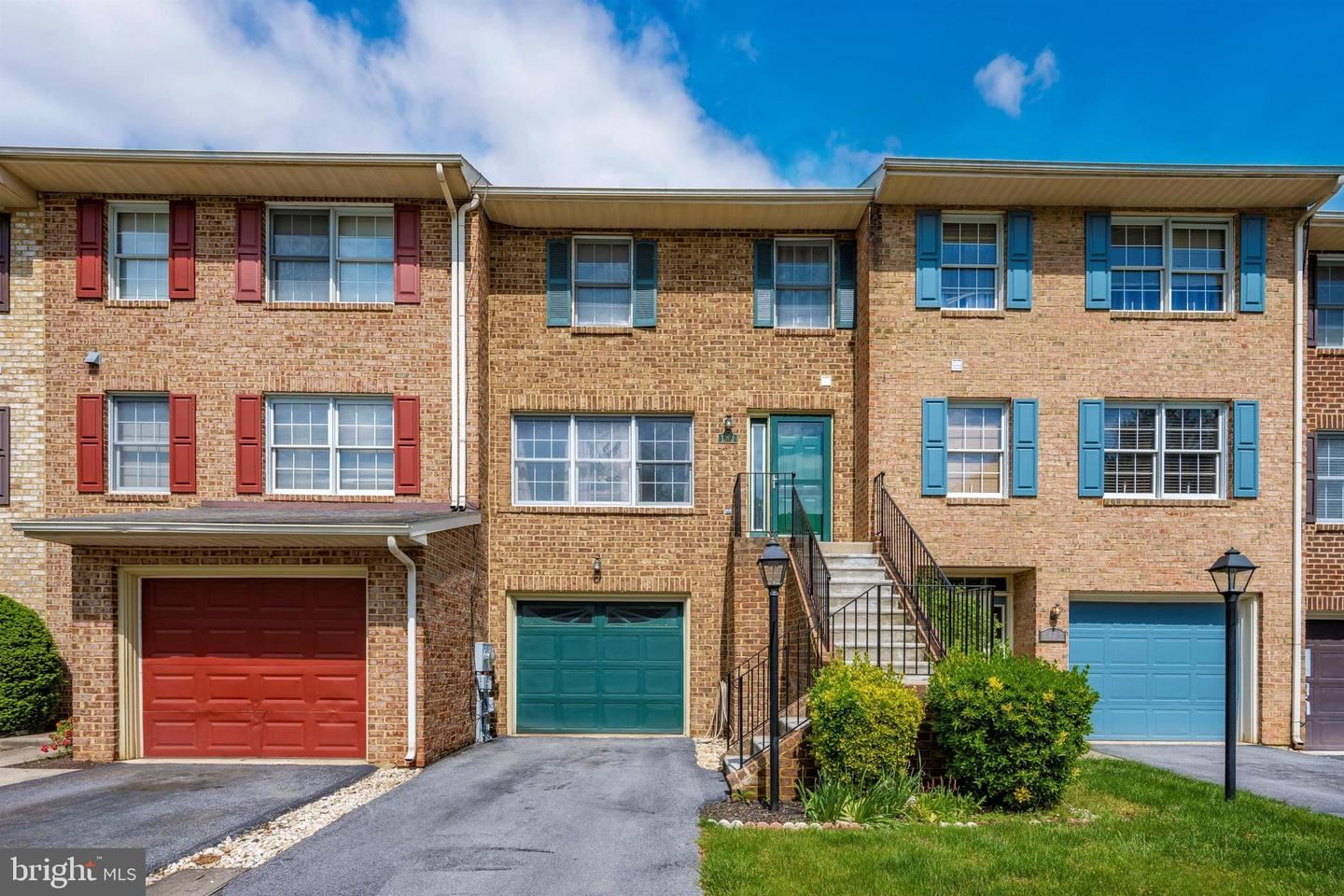 Photo of 1323 LINDSAY LN, HAGERSTOWN, MD 21742 (MLS # MDWA179436)
