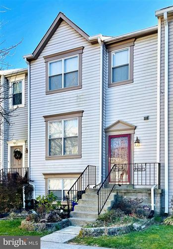 Photo of 59 KINSMAN VIEW CIR, SILVER SPRING, MD 20901 (MLS # MDMC740438)