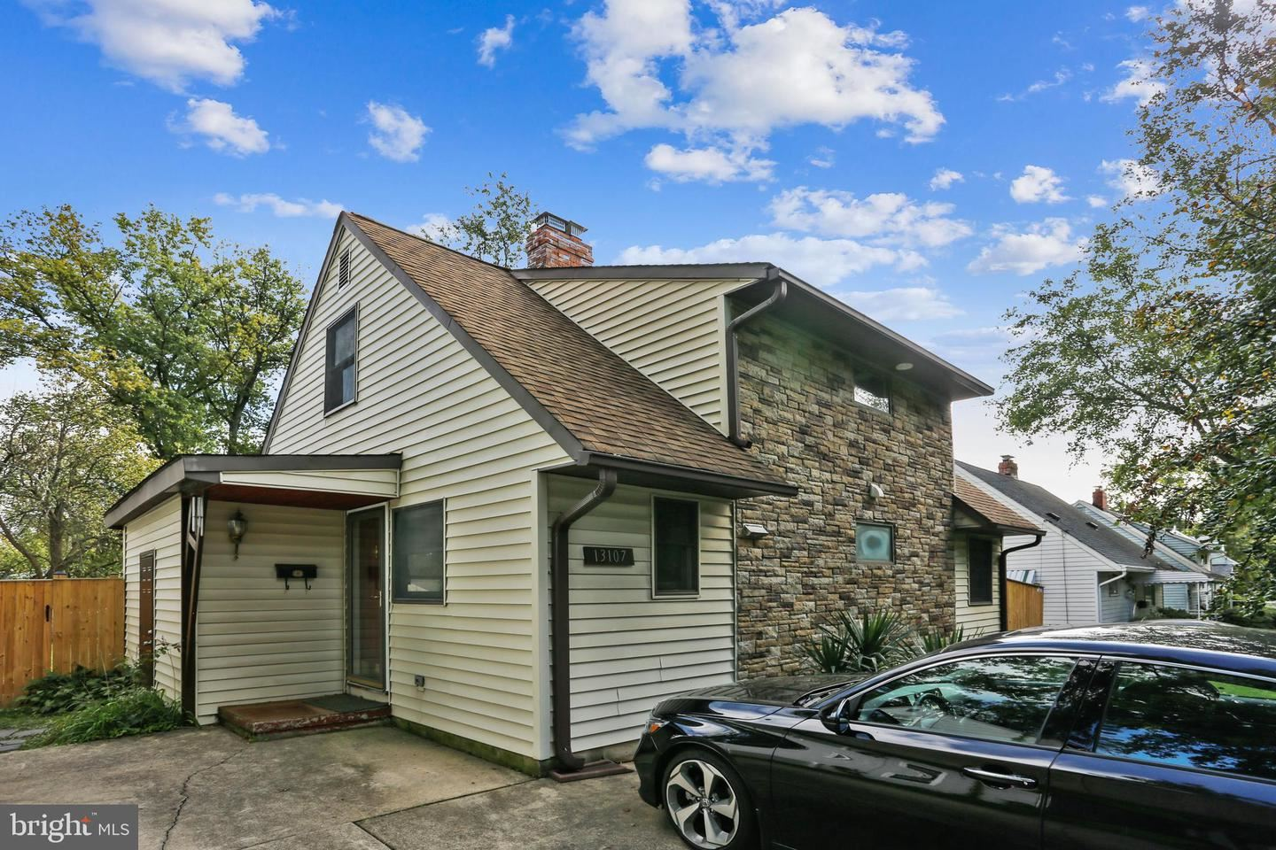 Photo of 13107 ARDENNES AVE, ROCKVILLE, MD 20851 (MLS # MDMC2001439)