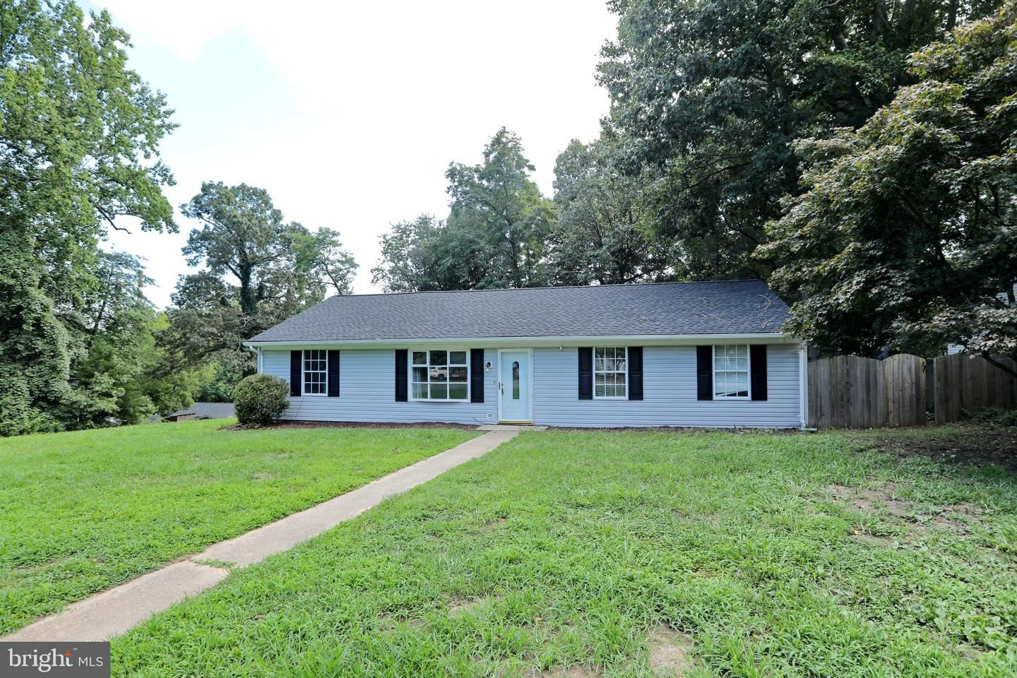 Photo of 9509 OAKRIDGE CT, NEWBURG, MD 20664 (MLS # MDCH216440)