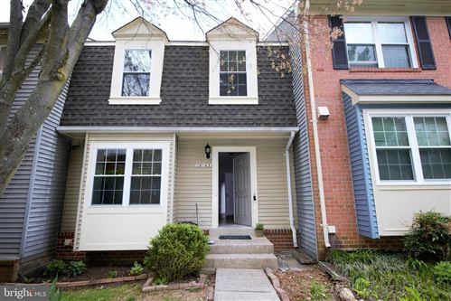 Photo of 19145 GROTTO LN, GERMANTOWN, MD 20874 (MLS # MDMC704442)