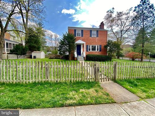 Photo of 5928 BEECH AVE, BETHESDA, MD 20817 (MLS # MDMC754442)