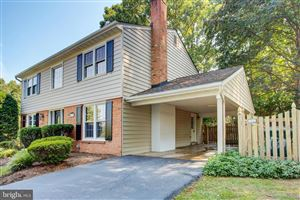 Photo of 9807 MEADOW KNOLL CT, VIENNA, VA 22181 (MLS # VAFX1089442)