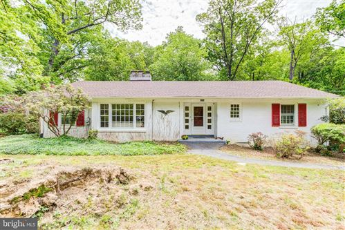 Photo of 3913 MALCOLM CT, ANNANDALE, VA 22003 (MLS # VAFX1199442)