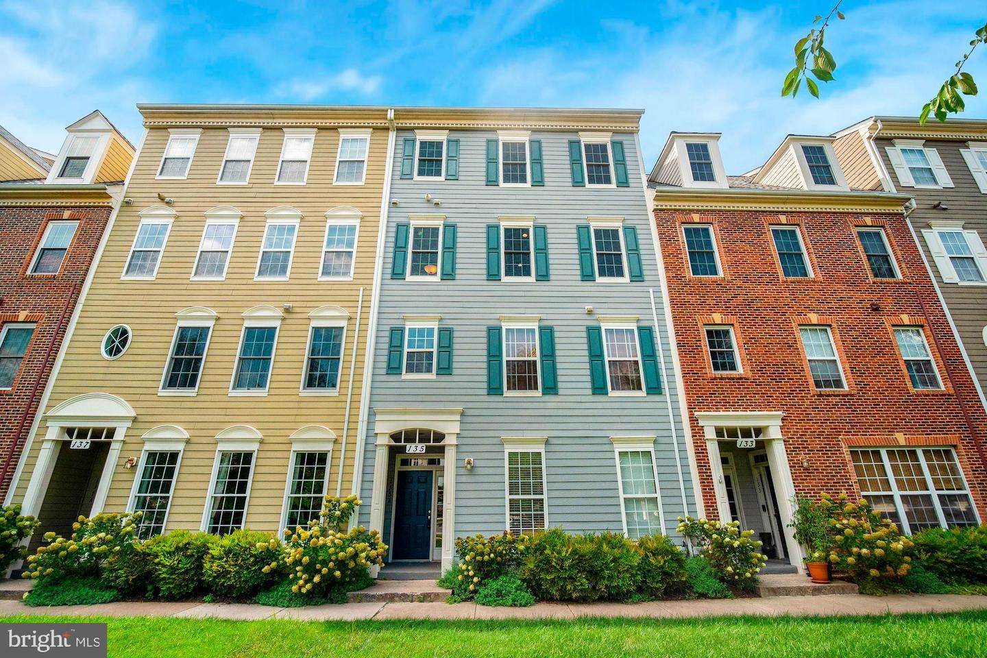 Photo of 135 CHEVY CHASE ST #A, GAITHERSBURG, MD 20878 (MLS # MDMC725442)