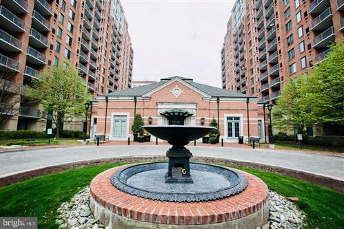 Photo of 11710 OLD GEORGETOWN RD #324, NORTH BETHESDA, MD 20852 (MLS # MDMC674446)