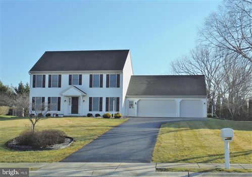Photo of 620 SPRING HOLLOW DR, NEW HOLLAND, PA 17557 (MLS # PALA157446)