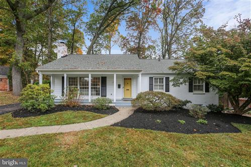 Photo of 12114 WHIPPOORWILL LN, ROCKVILLE, MD 20852 (MLS # MDMC731448)