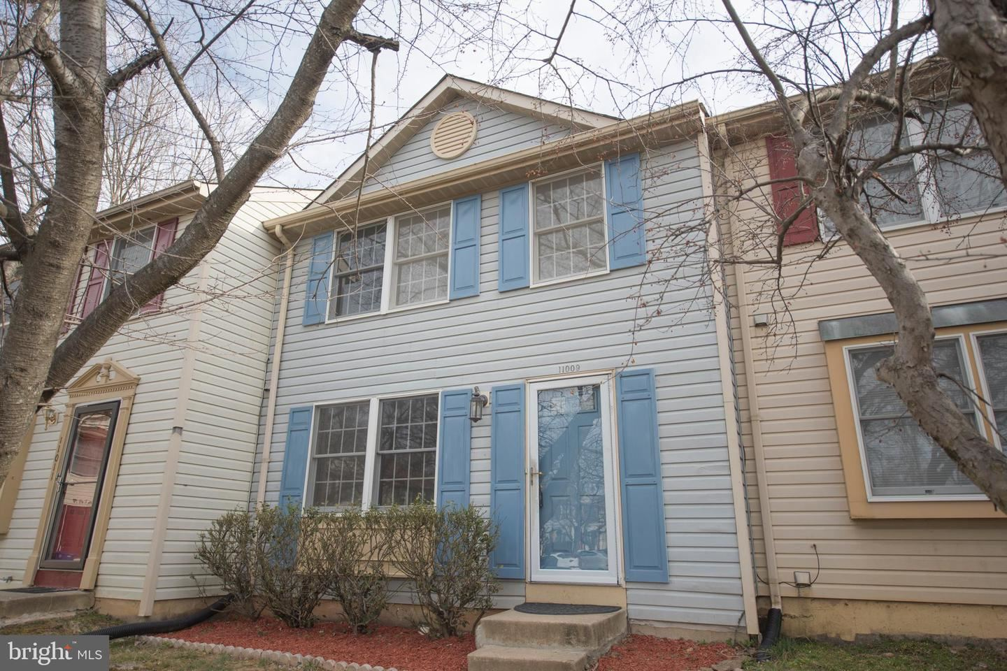 Photo of 11009 OUTPOST DR, NORTH POTOMAC, MD 20878 (MLS # MDMC745448)