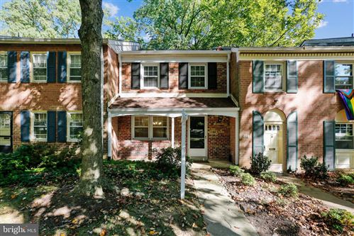 Photo of 871 AZALEA DR #25, ROCKVILLE, MD 20850 (MLS # MDMC728452)