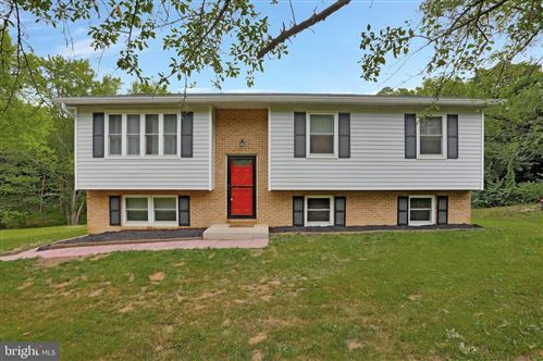 Photo of 15421 CLEAR SPRING RD, WILLIAMSPORT, MD 21795 (MLS # MDWA180452)