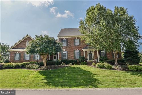 Photo of 41727 PUTTERS GREEN CT, LEESBURG, VA 20176 (MLS # VALO400452)