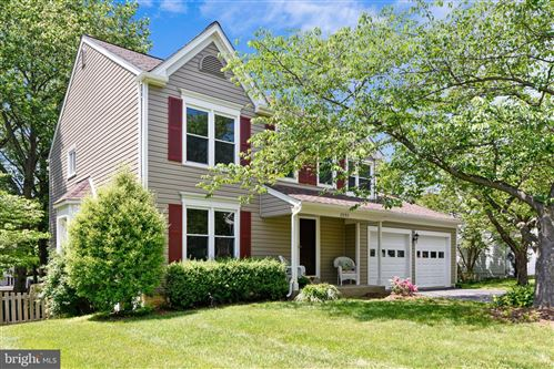 Photo of 17293 PICKWICK DR, PURCELLVILLE, VA 20132 (MLS # VALO411458)