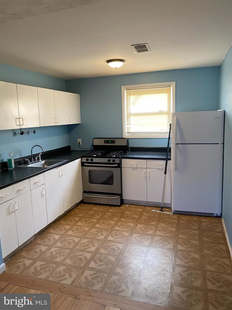 Photo of 14335 BEL PRE DR, SILVER SPRING, MD 20906 (MLS # MDMC757460)