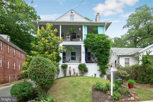 Photo of 718 MAPLEWOOD AVE, TAKOMA PARK, MD 20912 (MLS # MDMC663464)