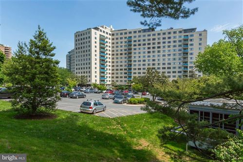 Photo of 10201 GROSVENOR PL #1409, ROCKVILLE, MD 20852 (MLS # MDMC668464)