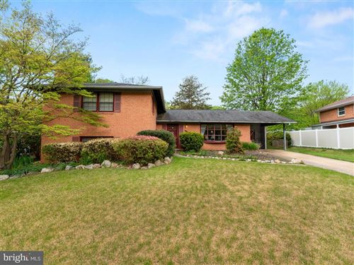 Photo of 6508 OLD STAGE RD, ROCKVILLE, MD 20852 (MLS # MDMC703464)