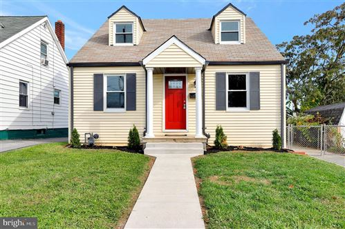 Photo of 368 S CLEVELAND AVE, HAGERSTOWN, MD 21740 (MLS # MDWA175466)