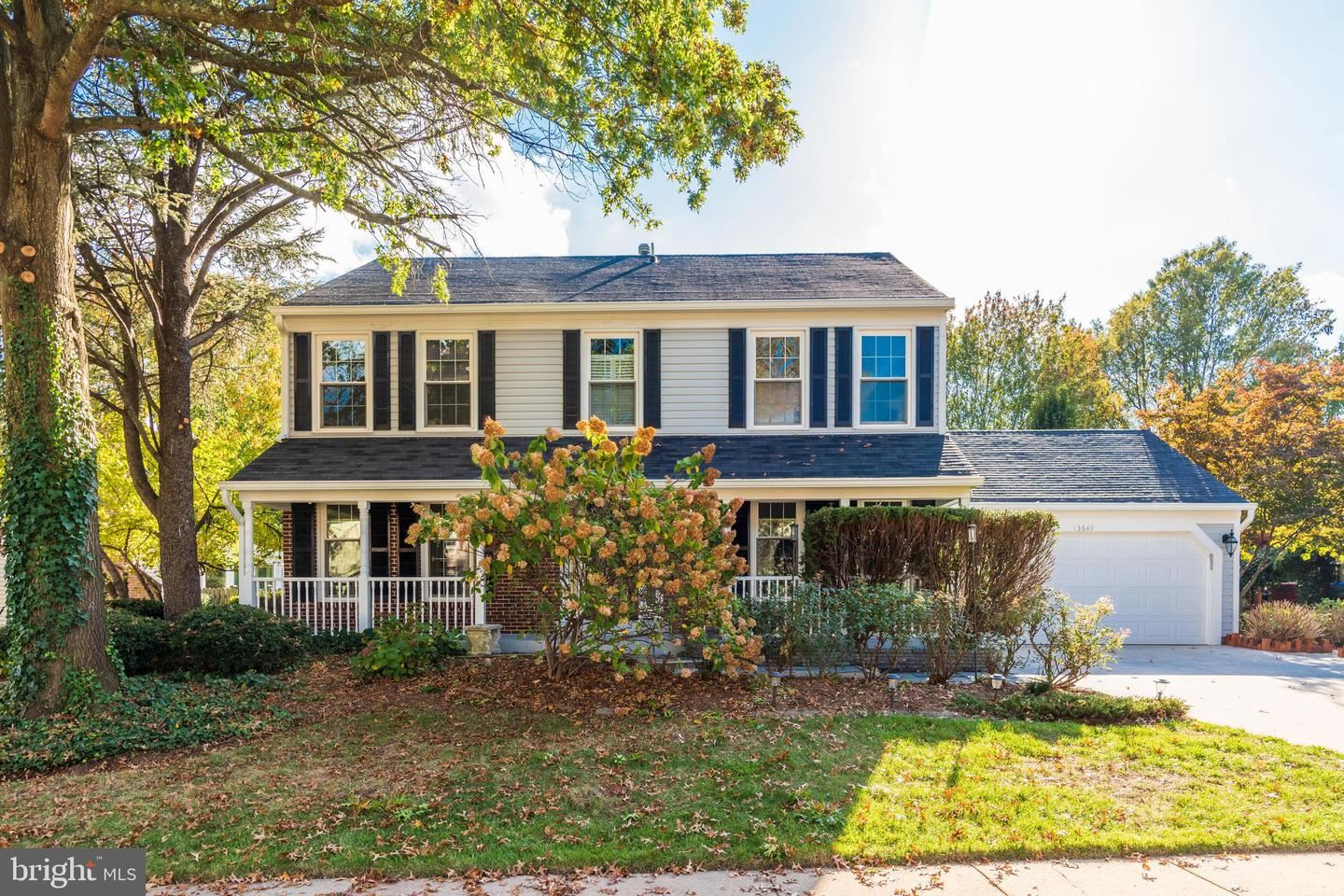 Photo of 13649 DORNOCK CT, HERNDON, VA 20171 (MLS # VAFX1163466)
