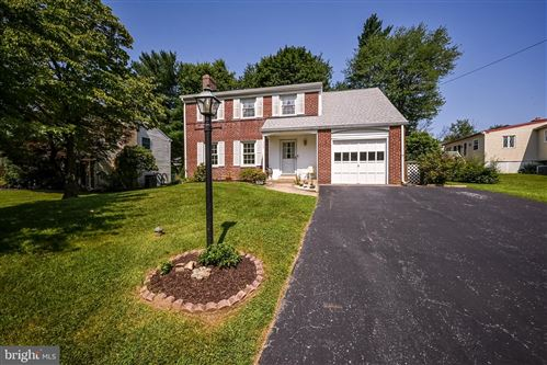 Photo of 504 LAWRENCE DR, SPRINGFIELD, PA 19064 (MLS # PADE2003468)
