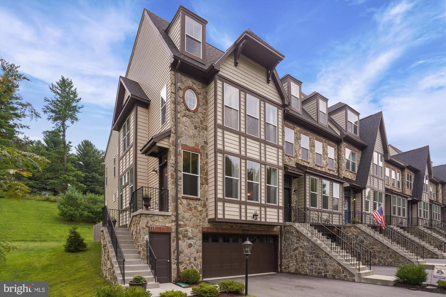 Photo of 6933 COUNTRY CLUB TER, NEW MARKET, MD 21774 (MLS # MDFR269468)