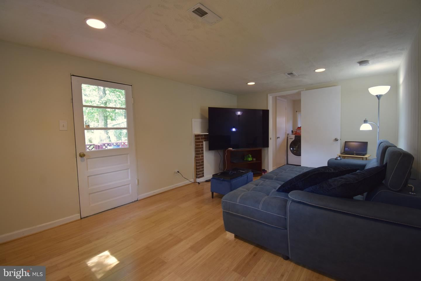 Photo of 218 SPRING AVE, ROCKVILLE, MD 20850 (MLS # MDMC716468)