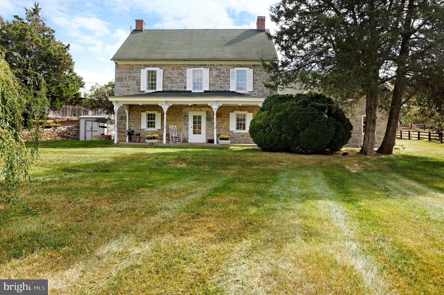 Photo of 21175 SAN MAR RD, BOONSBORO, MD 21713 (MLS # MDWA168468)