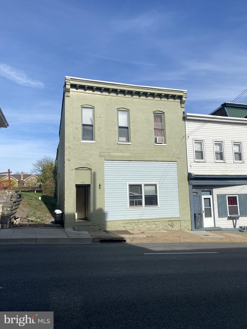 Photo of 424 W WASHINGTON ST, HAGERSTOWN, MD 21740 (MLS # MDWA176470)