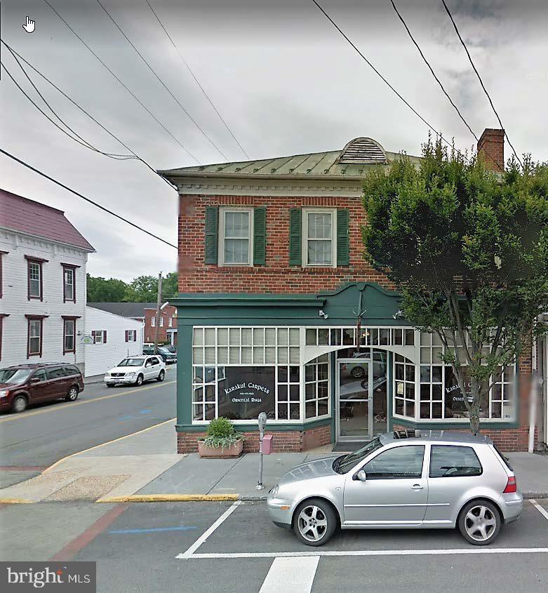 Photo of 1 W MAIN ST, BERRYVILLE, VA 22611 (MLS # VACL112470)