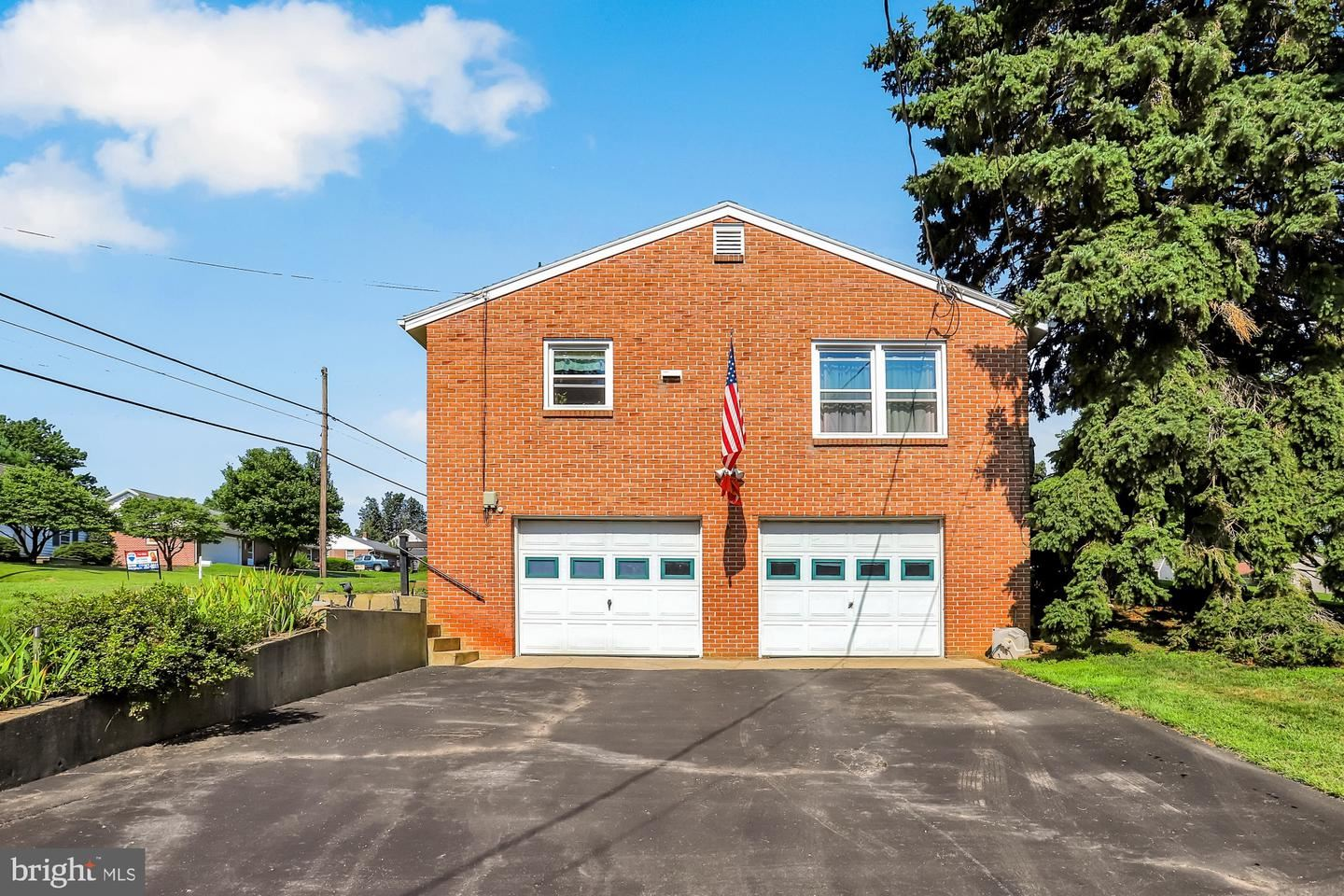 Photo of 2195 LINCOLN WAY E, CHAMBERSBURG, PA 17202 (MLS # PAFL174474)
