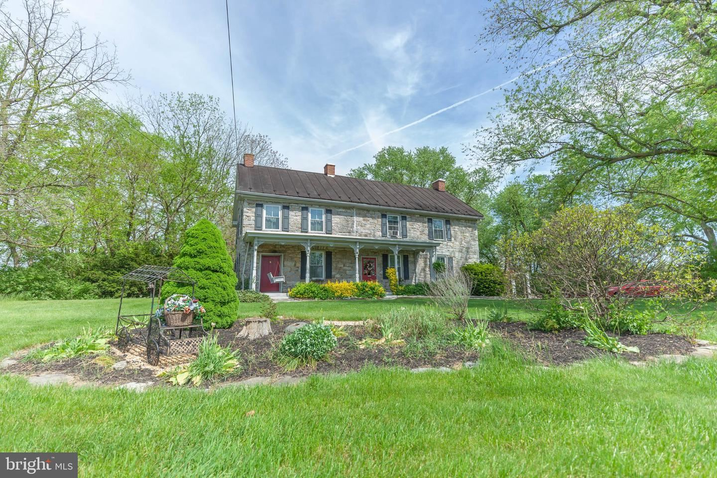 Photo of 9451 SHARPSBURG PIKE, HAGERSTOWN, MD 21740 (MLS # MDWA179482)