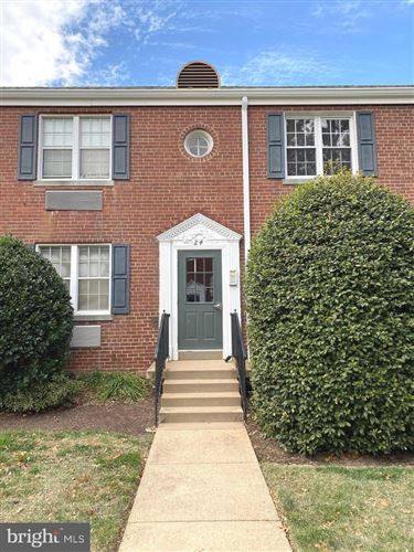 Photo of 24 AUBURN CT #D, ALEXANDRIA, VA 22305 (MLS # VAAX241490)