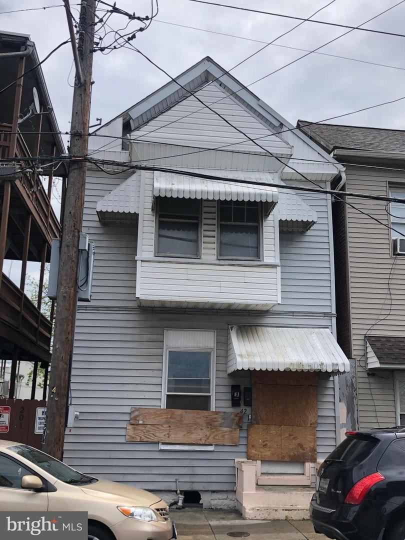 Photo of 42 N MULBERRY ST, HAGERSTOWN, MD 21740 (MLS # MDWA179490)