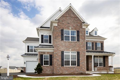 Photo of 1062 VALLEY CROSSING DR, LITITZ, PA 17543 (MLS # PALA134492)