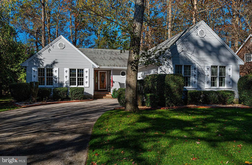 Photo for 6 WHALER LN, OCEAN PINES, MD 21811 (MLS # MDWO118500)