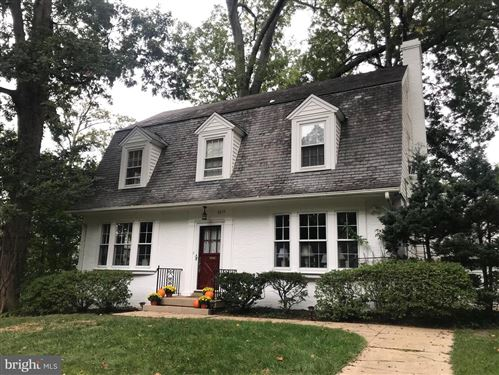 Photo of 7011 HILLCREST PL, CHEVY CHASE, MD 20815 (MLS # MDMC2013502)