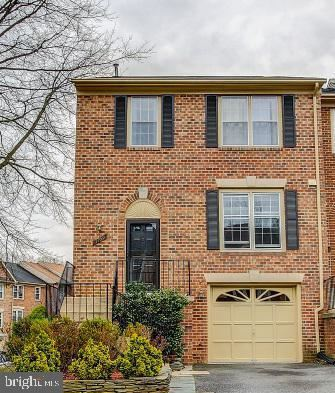 Photo of 7769 JEWELWEED CT, SPRINGFIELD, VA 22152 (MLS # VAFX1118506)